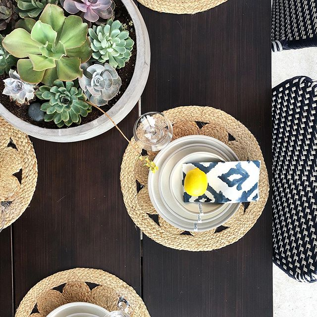 This weather has us dreaming about our next dinner party. Is your table ready? Let us teach you about this dinnerware made from Melaboo. It's a sustainable, eco-friendly material made from a combination of melamine + bamboo (a.k.a. shatter-resistant)! 🙌🏼 #designroots #diningalfresco #outdoorliving