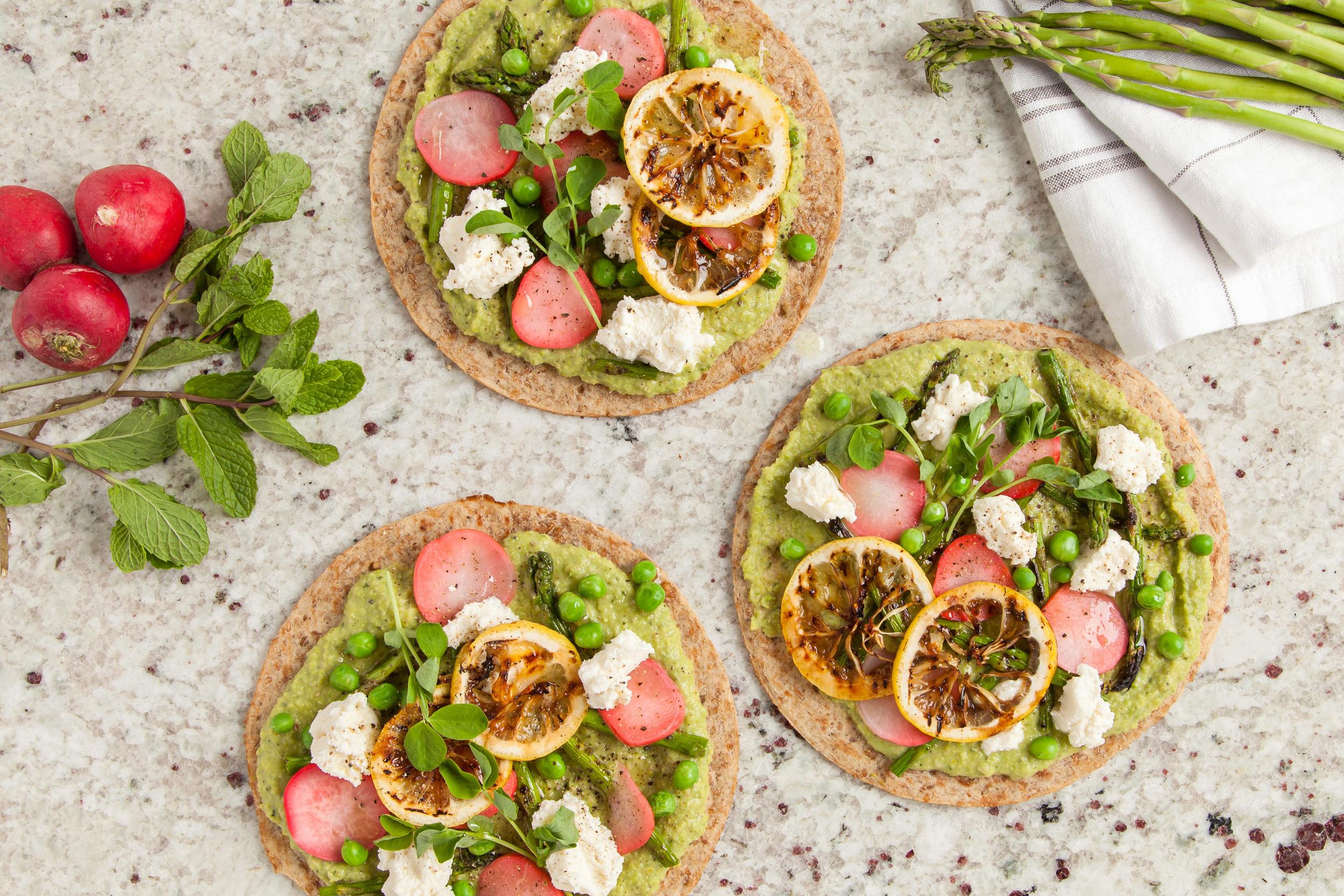 Grilled-Flatbread-Minted-Pea-Hummus_33.jpg