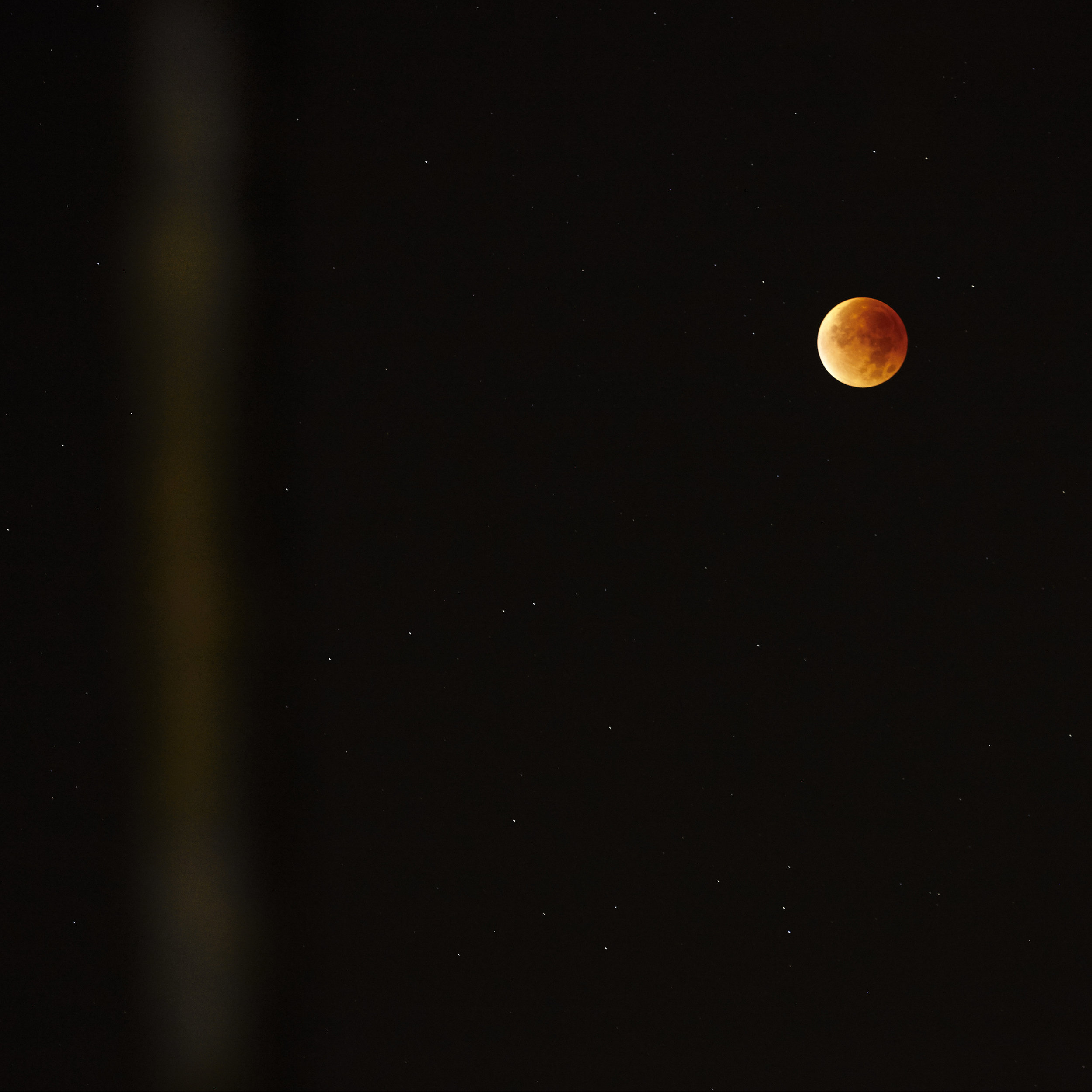 Blood moon, 2015, lambda on dibond in black frame, edition 1/5 + 1 AP