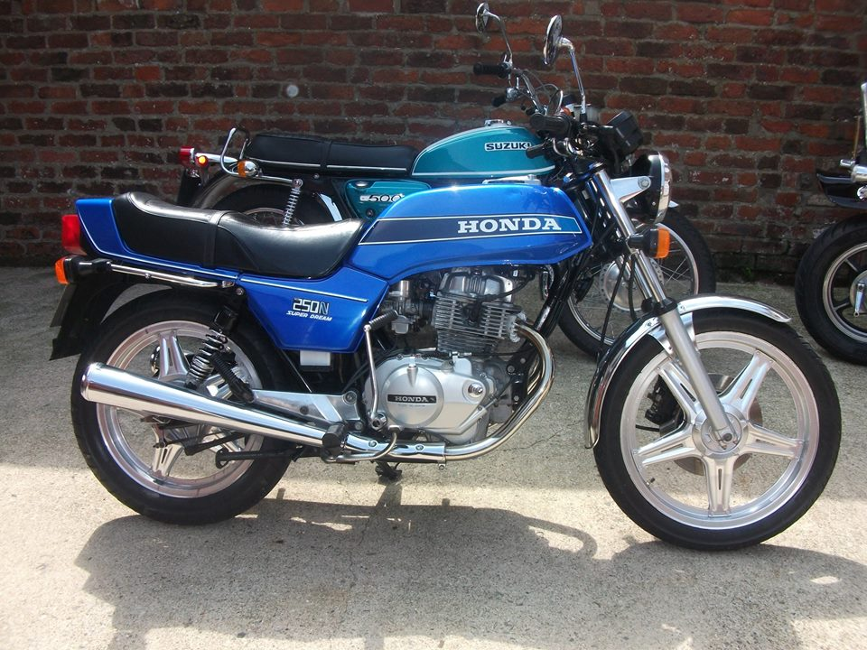 NOW SOLD .... 1978 Honda superdream, very nice original condition including rare original front mudguard , , taxed and tested, runs like a swiss watch, lovely bike. £875.