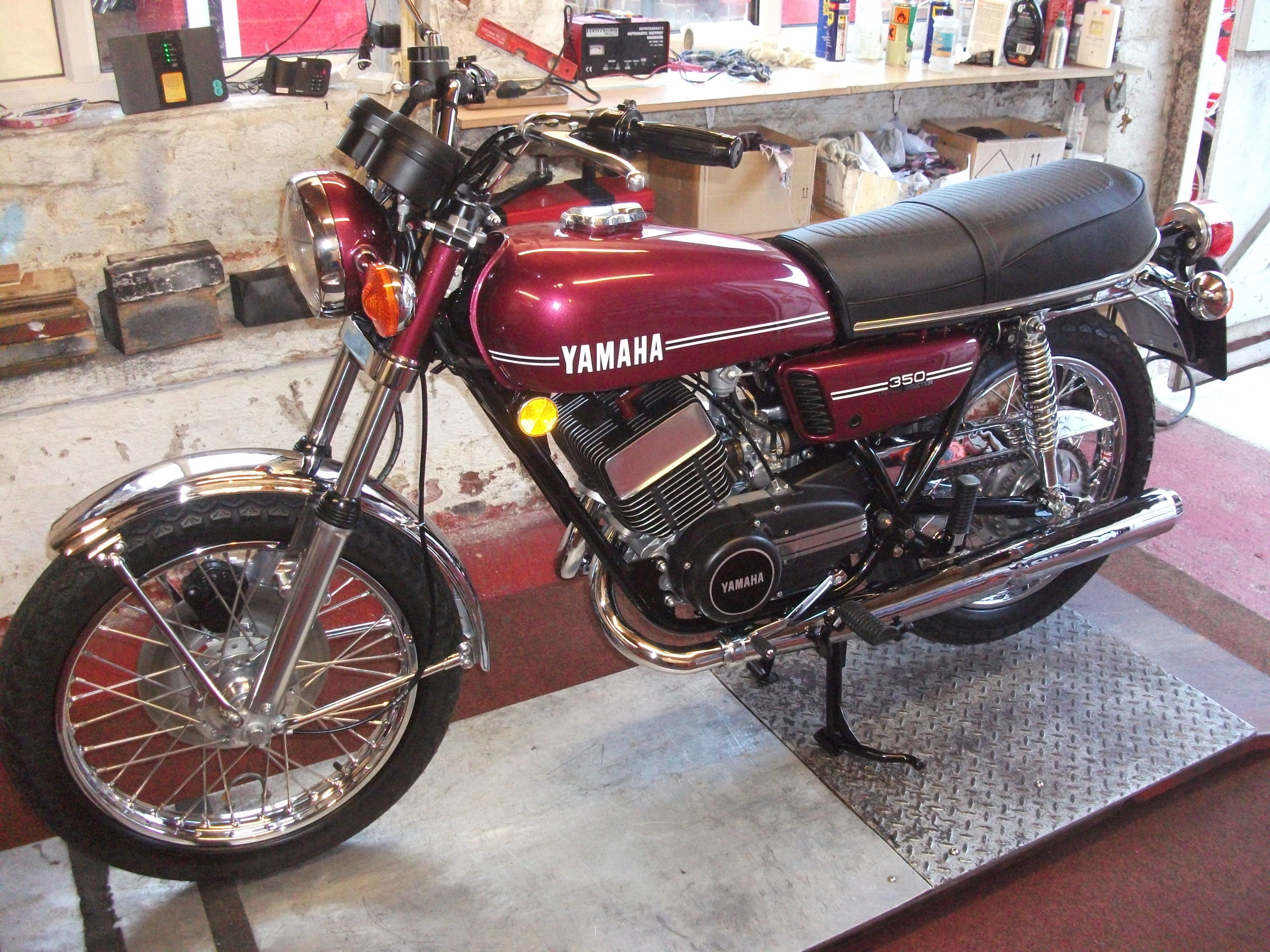 Complete Restoration of a 1974 Yamaha RD350.