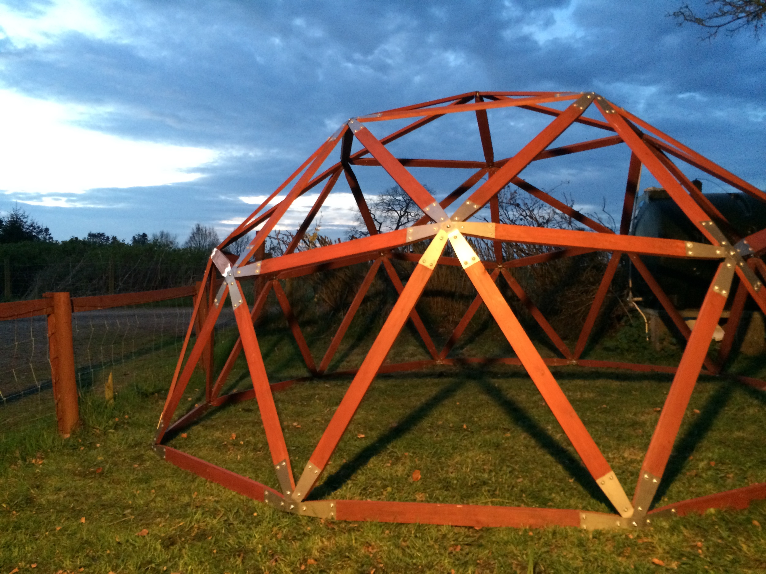 The Geodesic dome frame provided by domemade forms the basis for the whole build and they can be adapted to create your own unique look.
