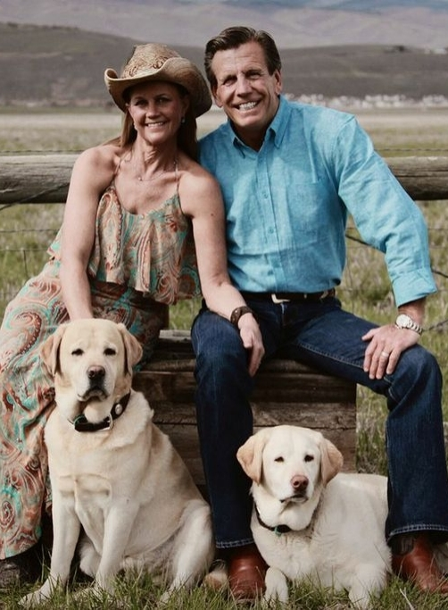 Kathy, her husband Brad and their dogs Boomer & Roxy.