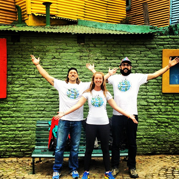 {Jon, Jill, + Parker sending RaeChild love from Buenos Aires}