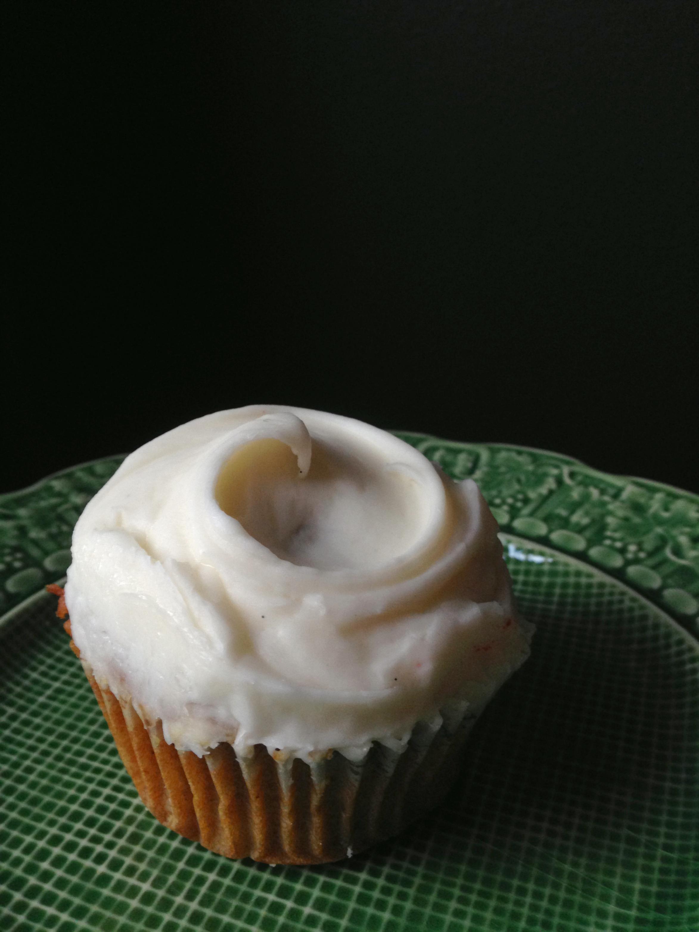 {Little Cupcake Bakeshop: Carrot Cake}
