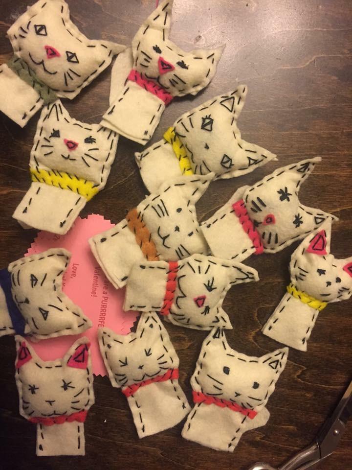 Kitty Finger Puppets