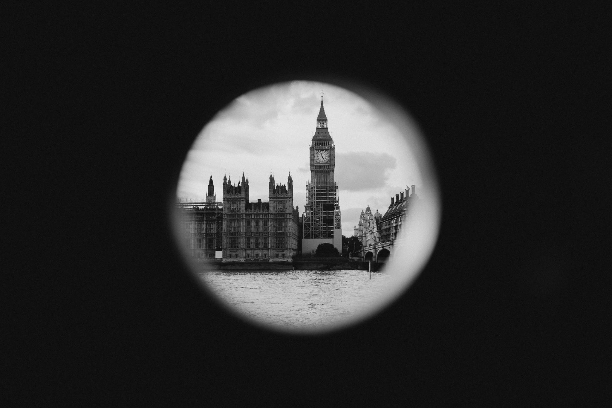 sara-tim-london-engagement_1.jpg