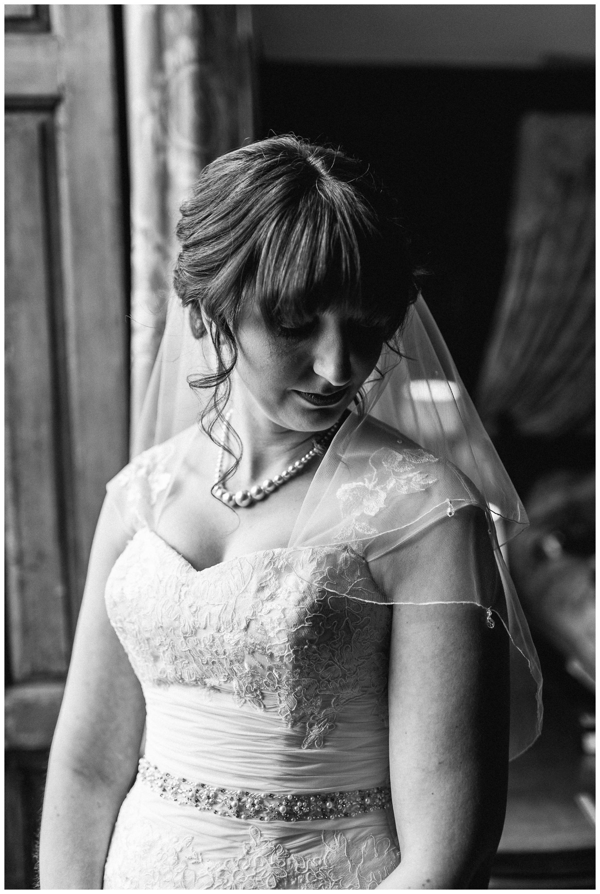 Emma&Paul-Elmore-Court-Winter-Wedding-Nikki-Cooper-Photography_0040.jpg