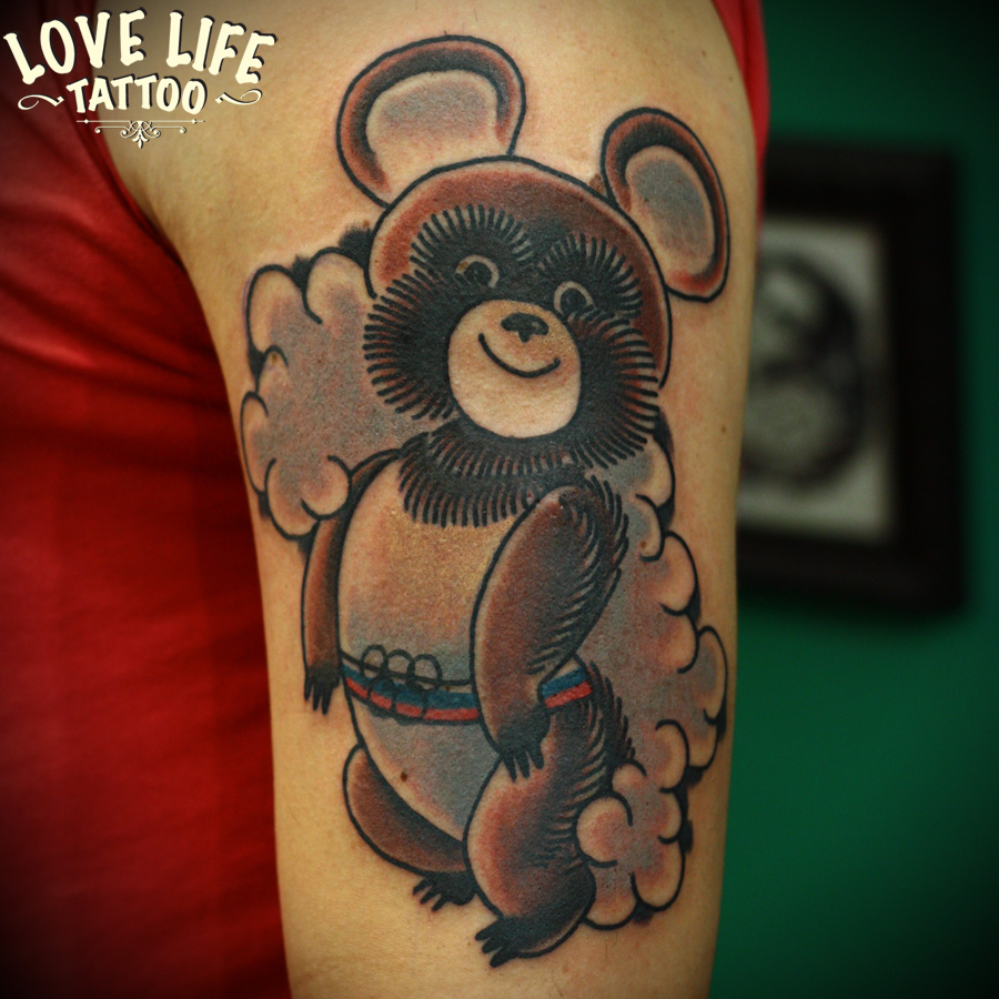 татуировка олимпийского мишки