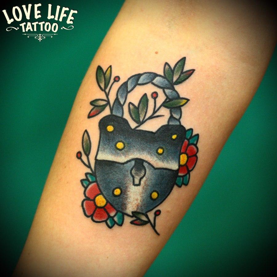 татуировка замка