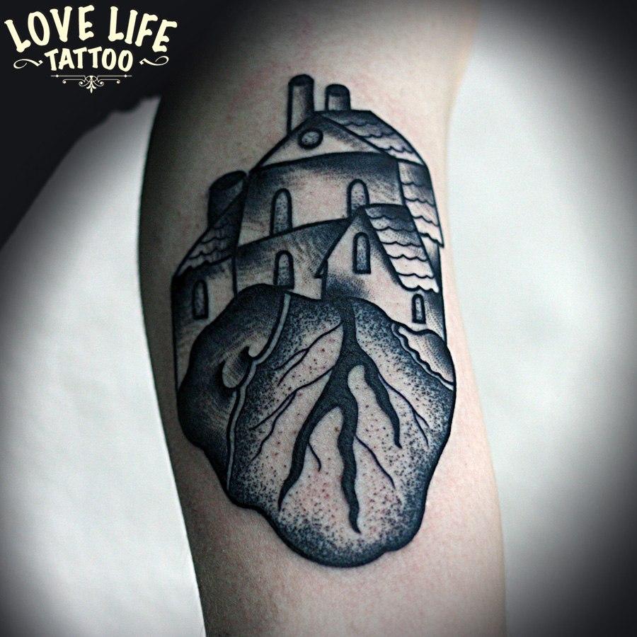 татуировка дом в сердце