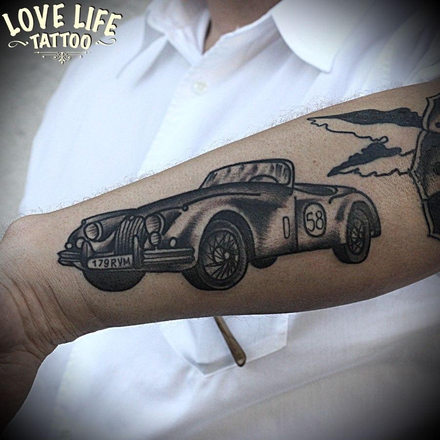 татуировка автомобиль
