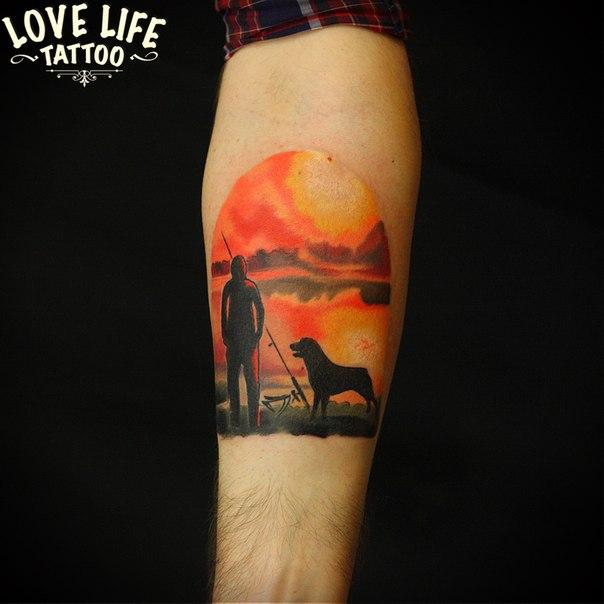 татуировка рыбака с собакой