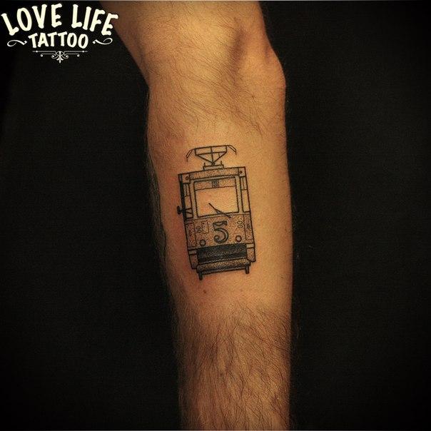татуировка трамвая