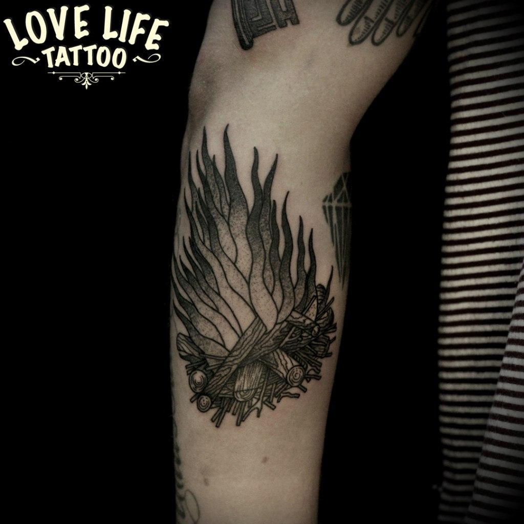 татуировка костра