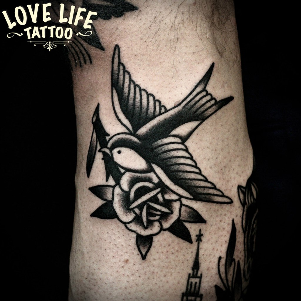 татуировка ласточки