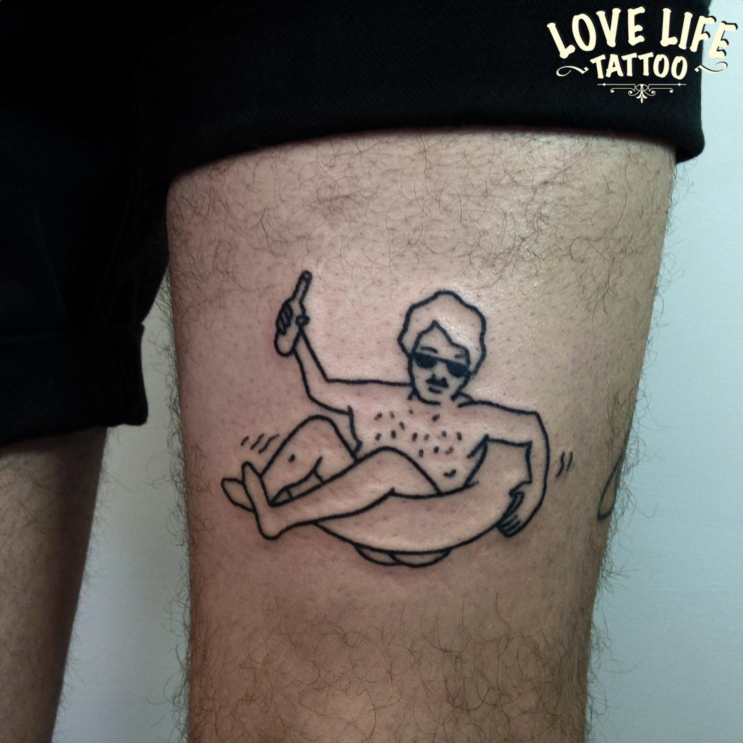 татуировка человека на отдыхе