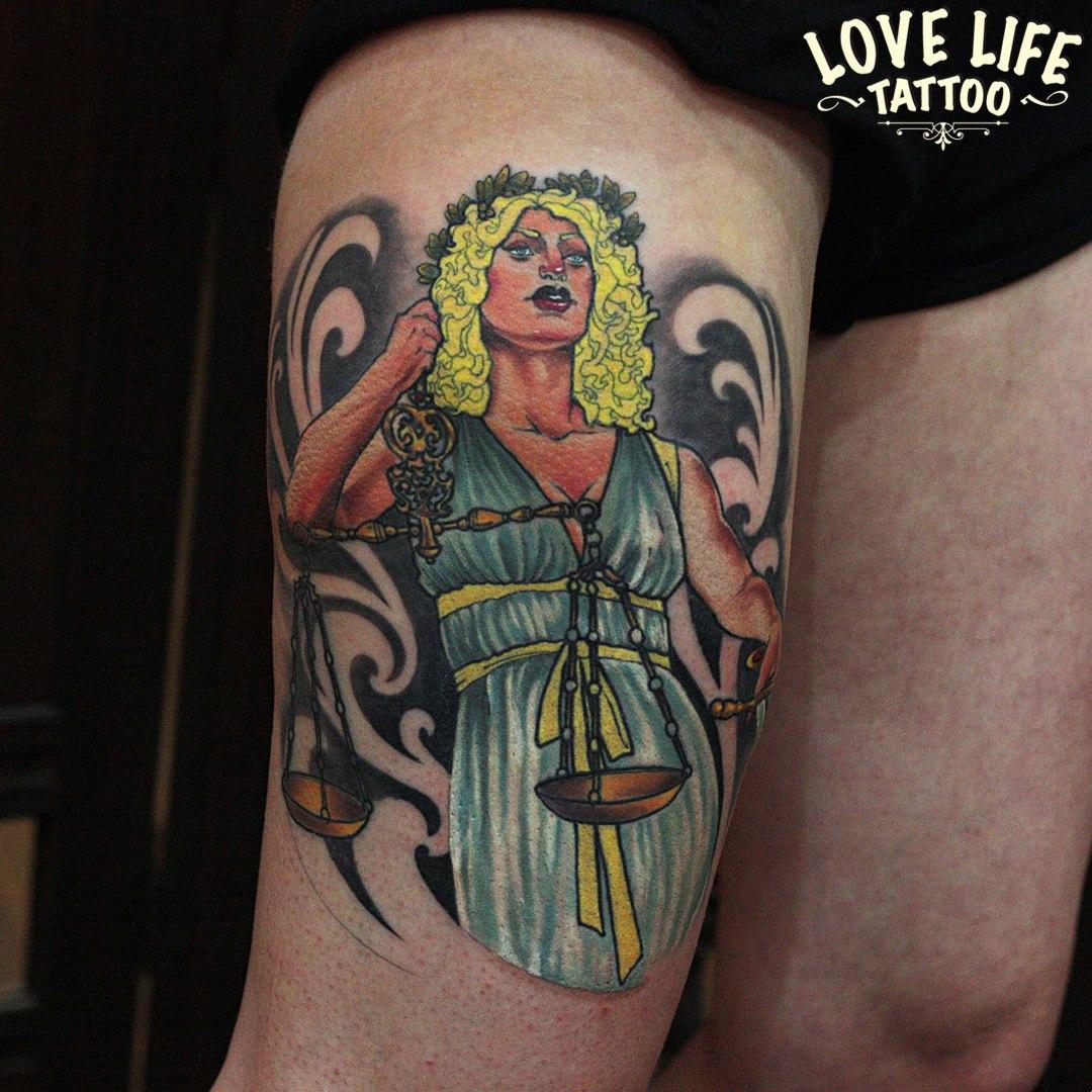 татуировка Фемиды