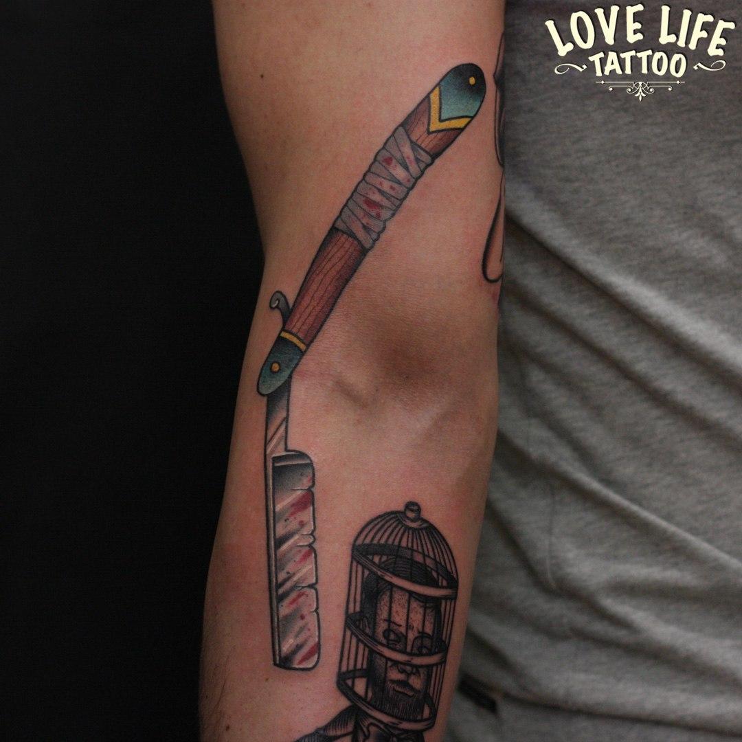 татуировка бритвы