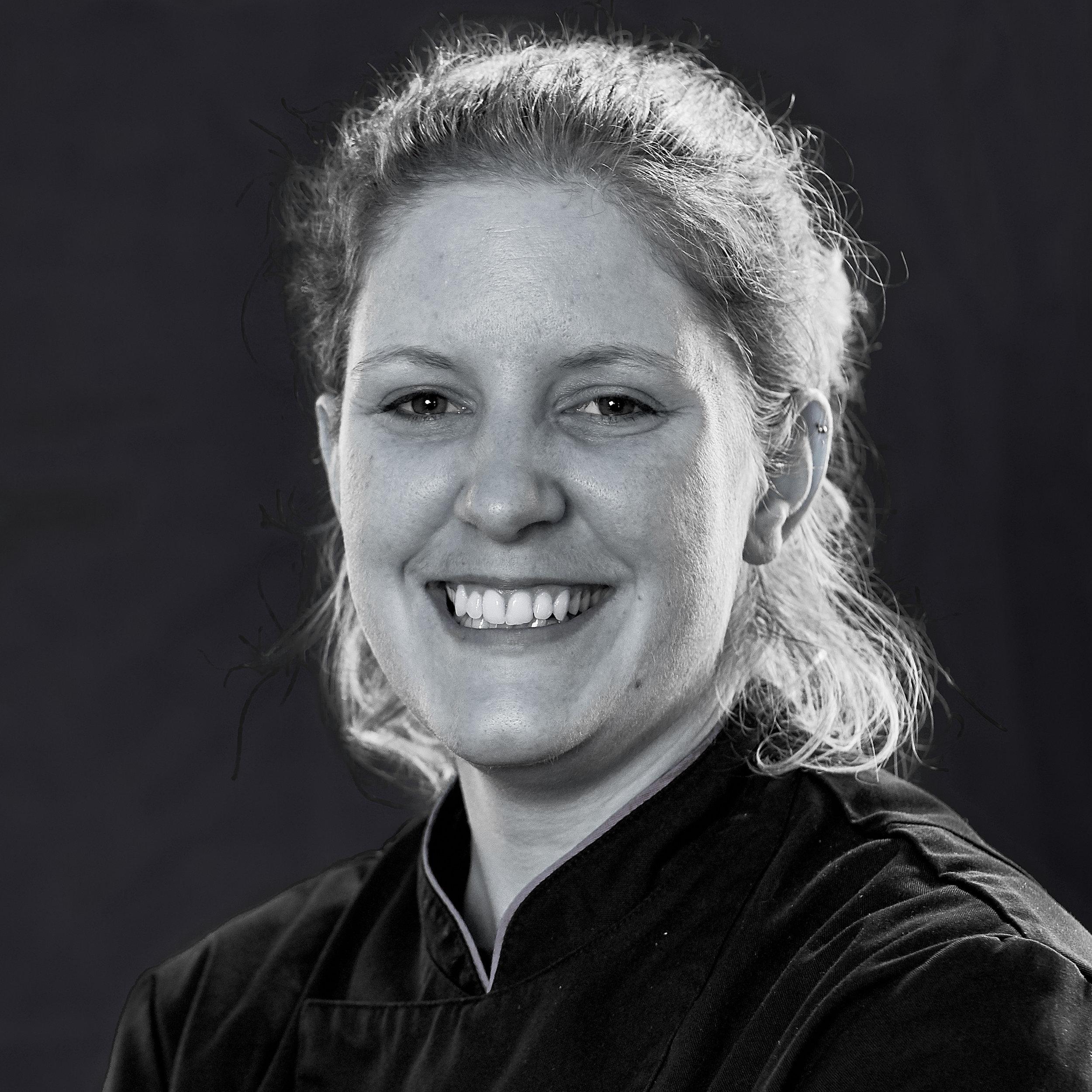 MARTINA GERZNER – Chef de Partie