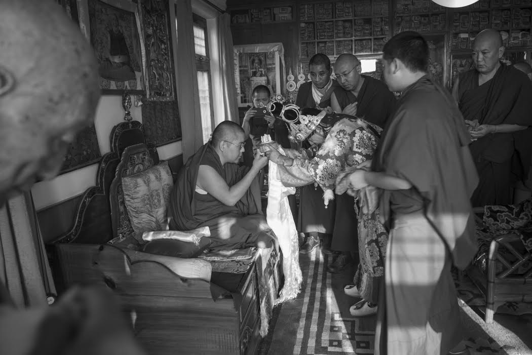 In trance, Nechung Oracle presents a universal offering to H.E. Ling Rinpoche