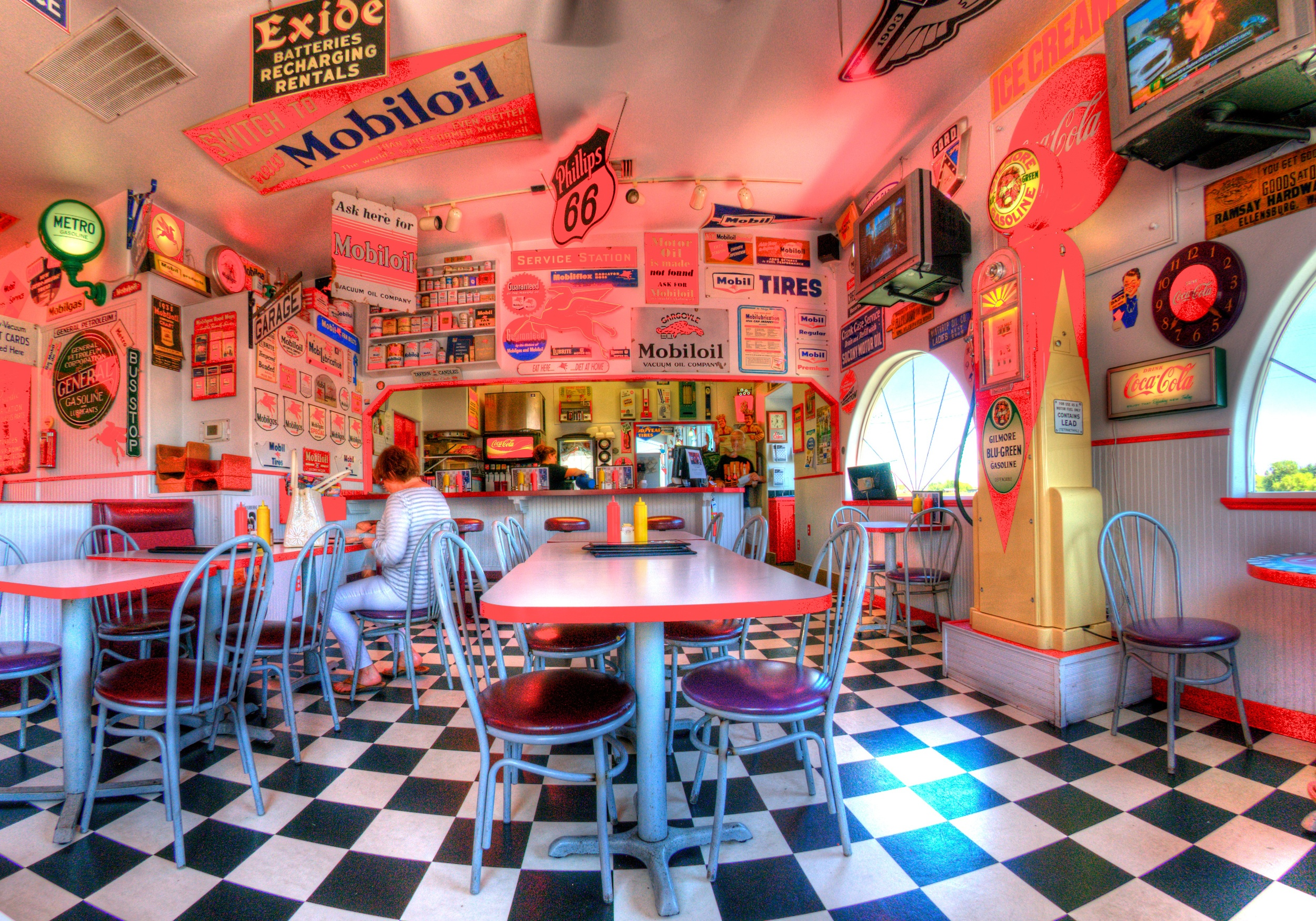 Red Horse Diner, photo by Paul B. Peters