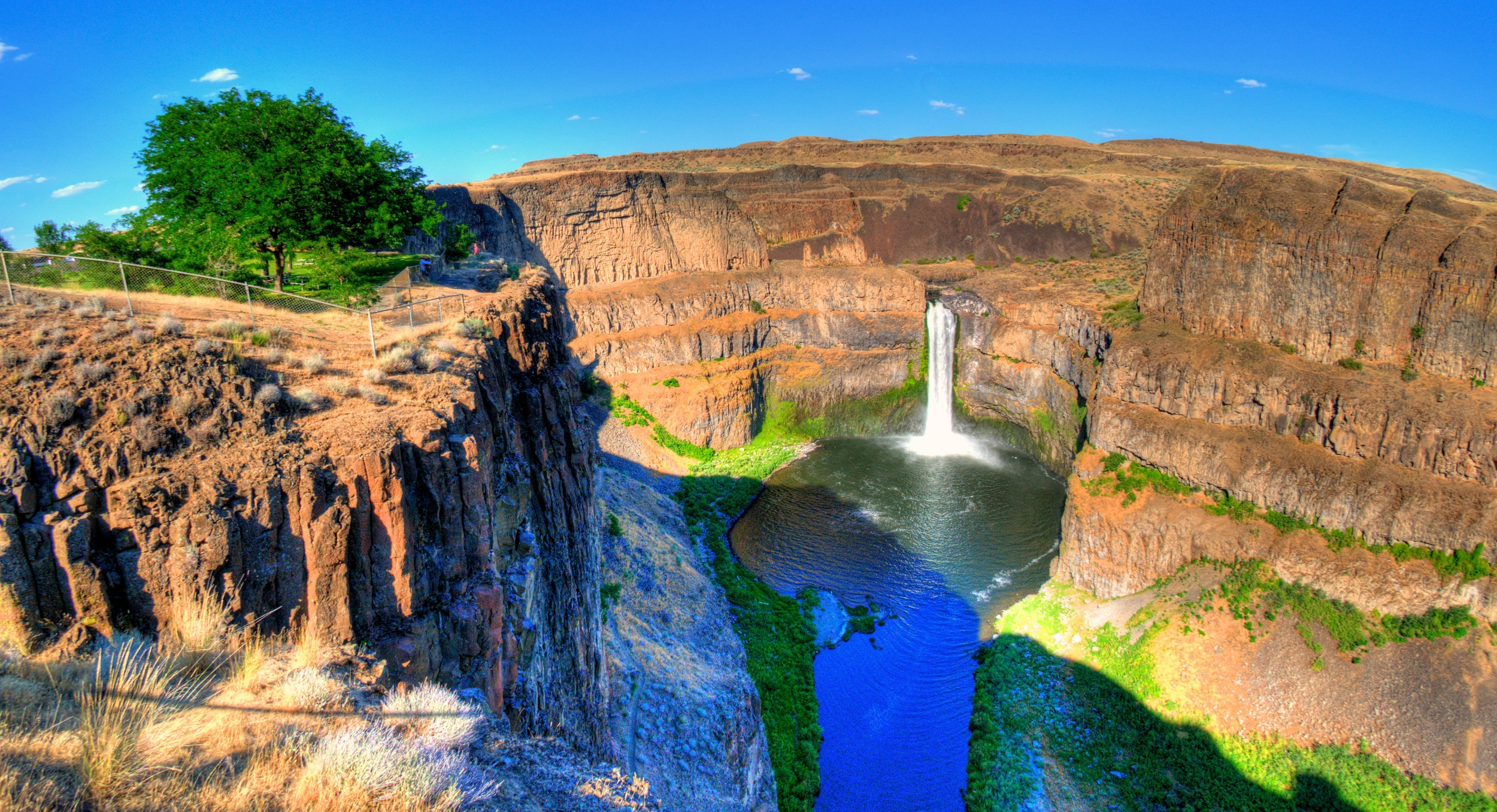 Palouse Falls, photo by Paul B. Peters  -  To see Paul's pictures of our visits to the Paulouse: www.paulpeters.smugmug.com