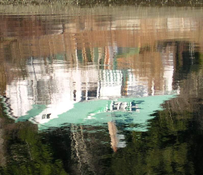 Bamfield - Grappler inlet - reflection 2.JPG