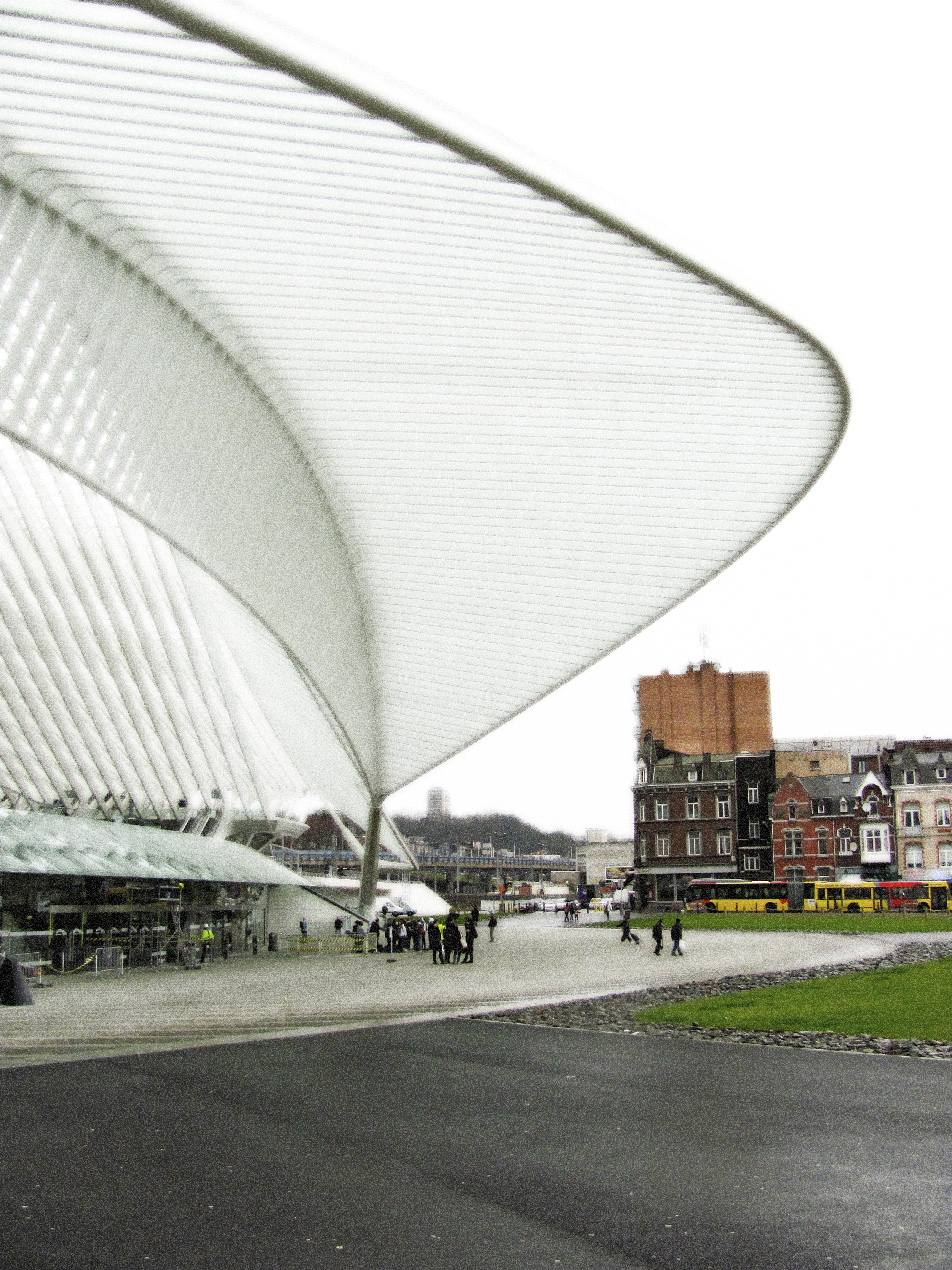 Plaza Entry Canopy, Liege, VHS 2010