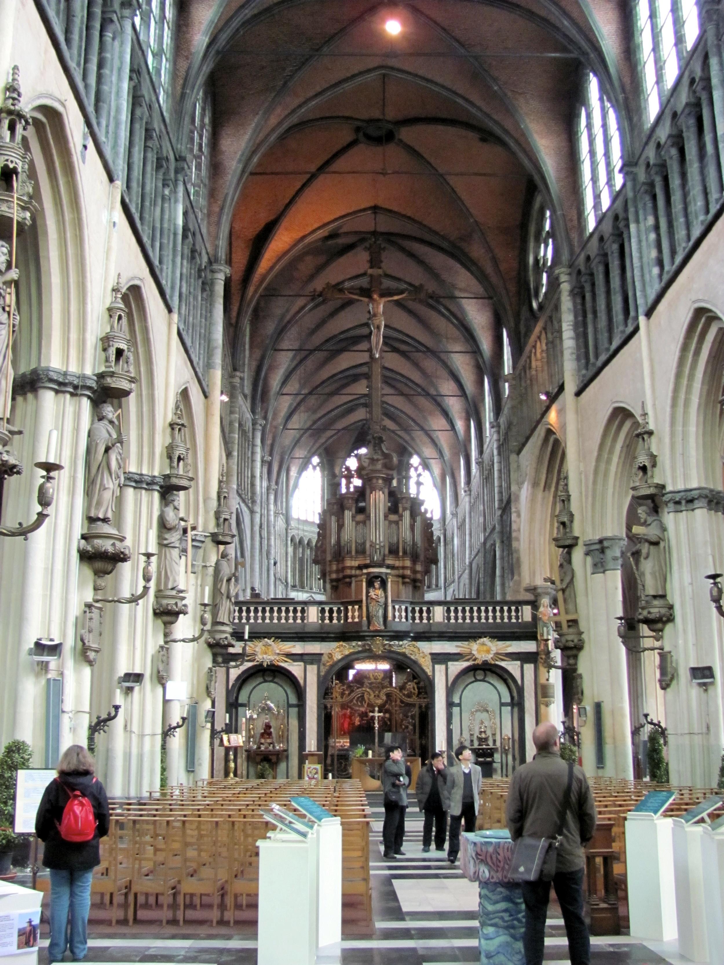 Sint-Salvatorskathedraal, Bruges, Belgium, VHS 2010