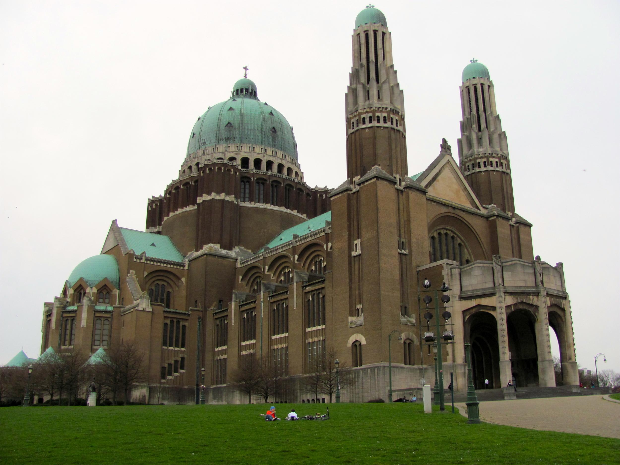 Basilique Nationale du Sacre-Coeur, Brussels, Belgium, VHS 2010