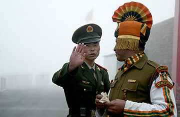 DIPTENDU DUTTA / AFP / GETTY IMAGES