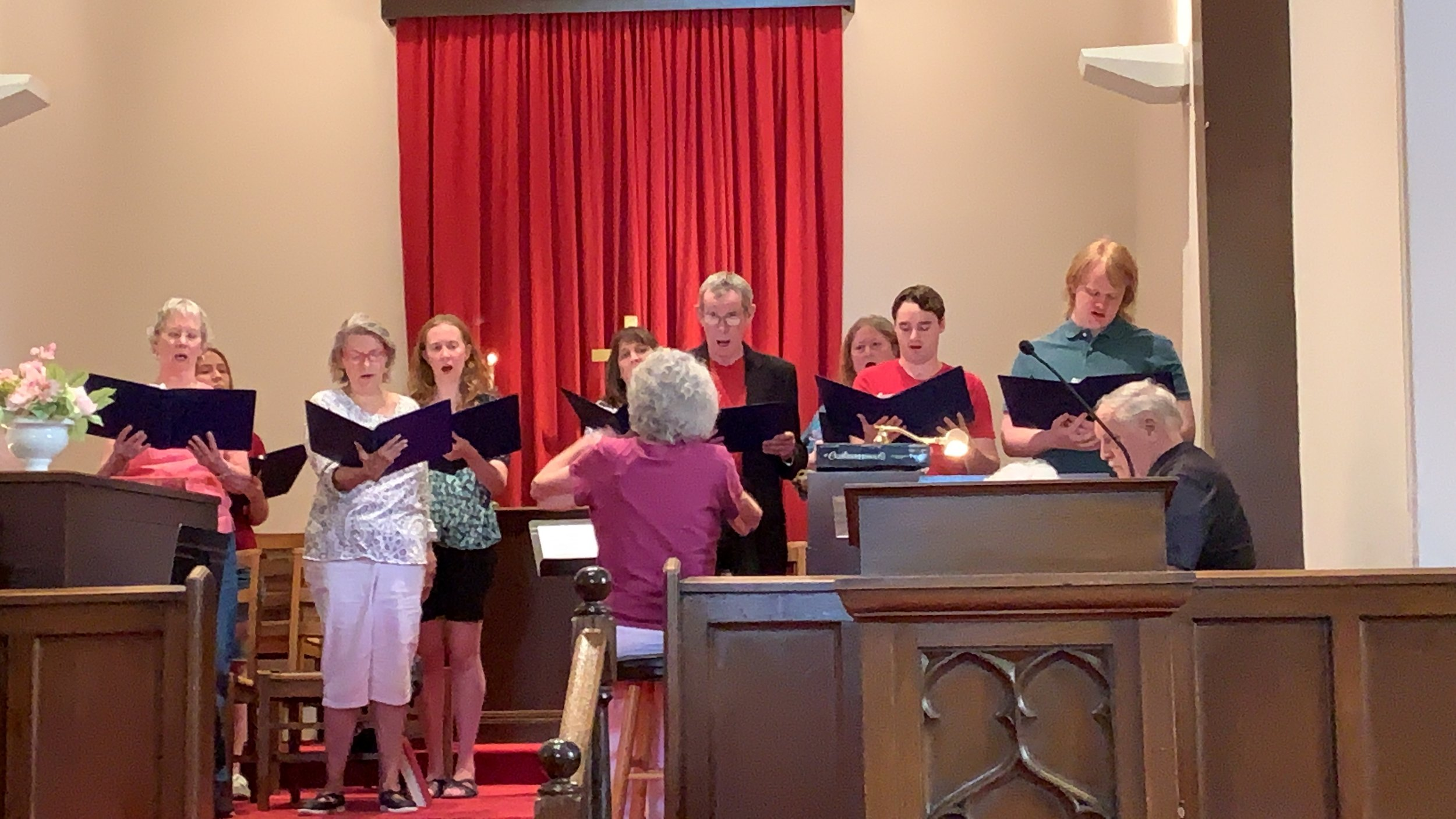 "The Congregational Choir singing ""O Magnify"""