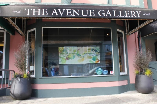 Image:  theavenuegallery.com