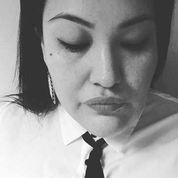 Headshot-formatted-Alana.jpg