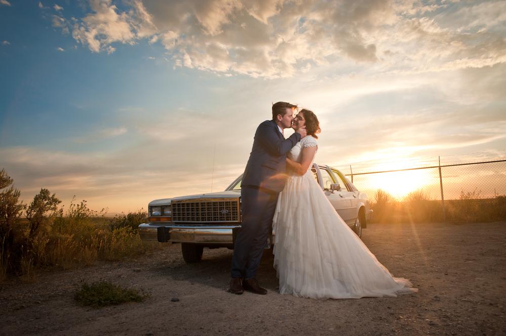 Epic Retro classic car Wedding Photo Alternative wedding photography