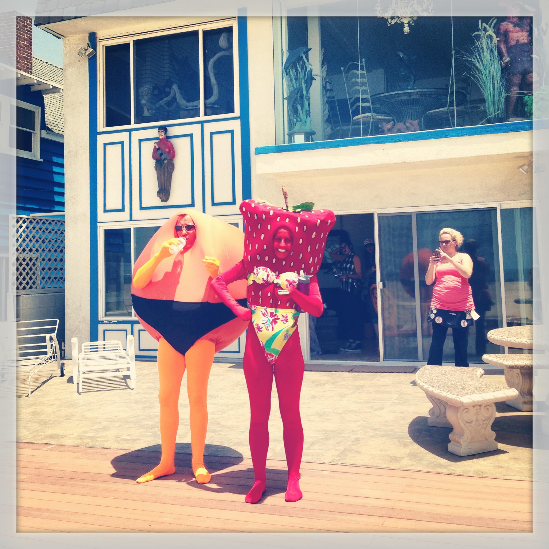 Mrs Strawberry (Katy Davis)and Mr Orange (Christopher May)!