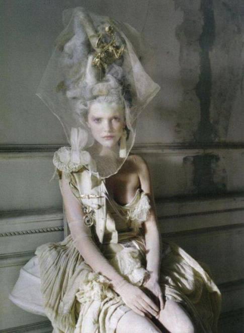 Photographer: Tim Walker   Model: Imogen Morris Clarke   Vogue Italia
