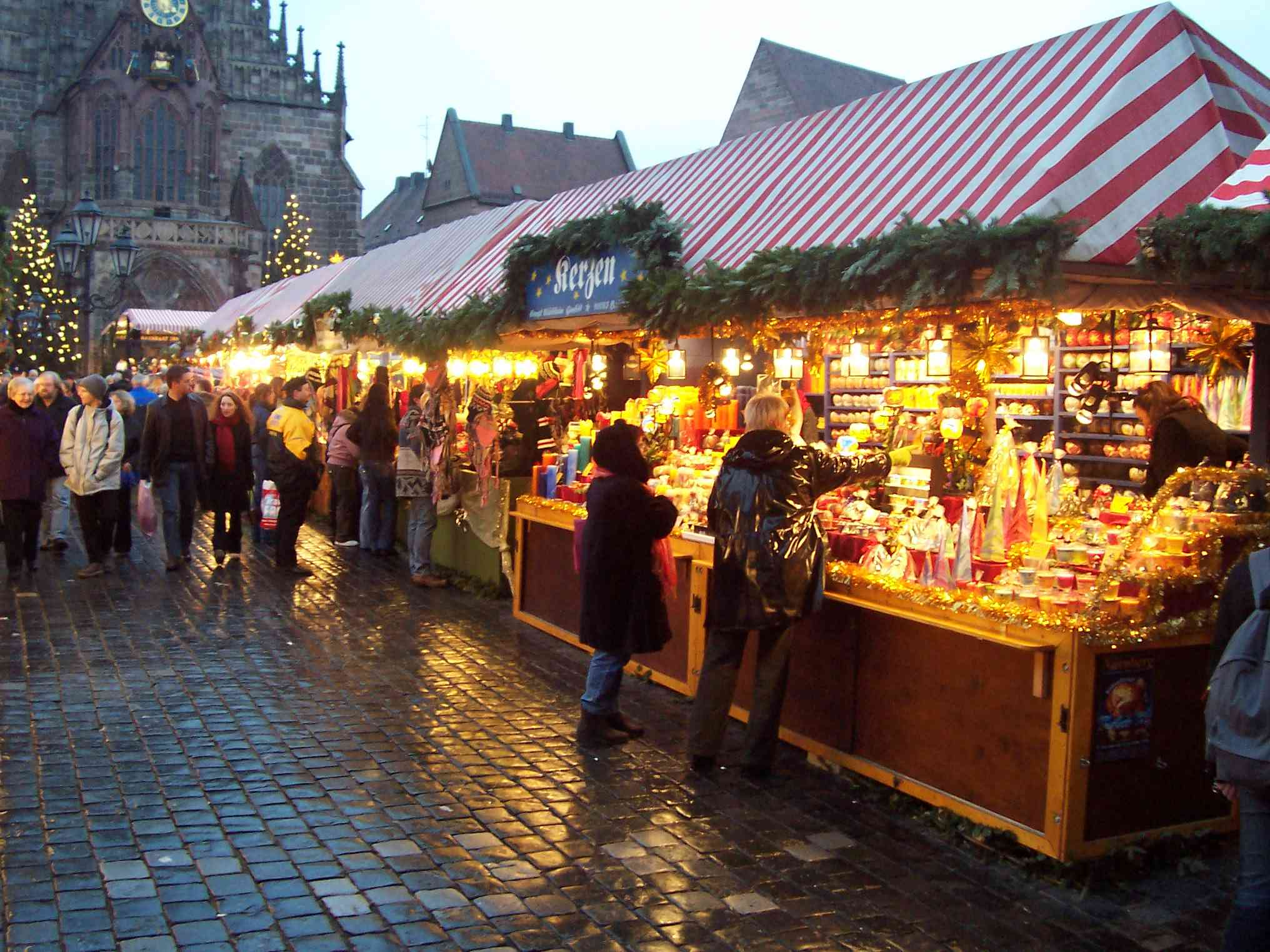Choosing exactly what to buy at the Christmas Market in Nuremburg is rather tricky - there's so much choice.