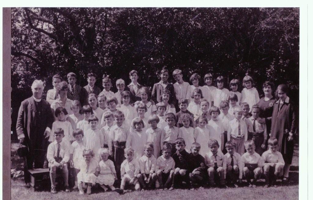 Parish past 12 St Catherine's School children 3.JPG