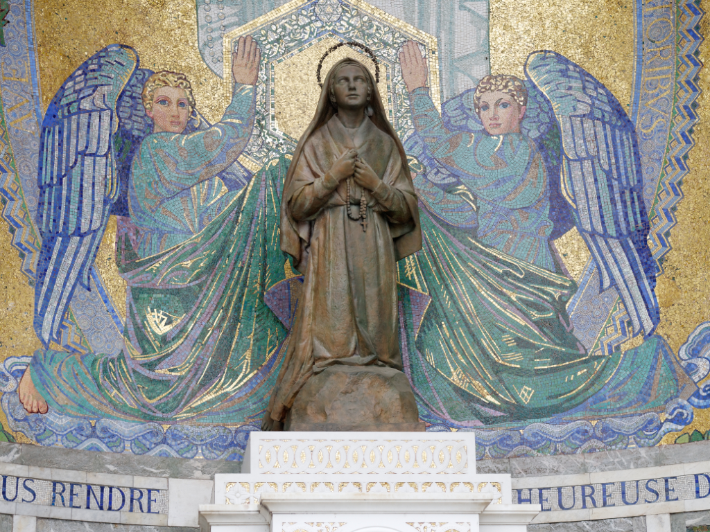 Lourdes_10857_Sat.jpg