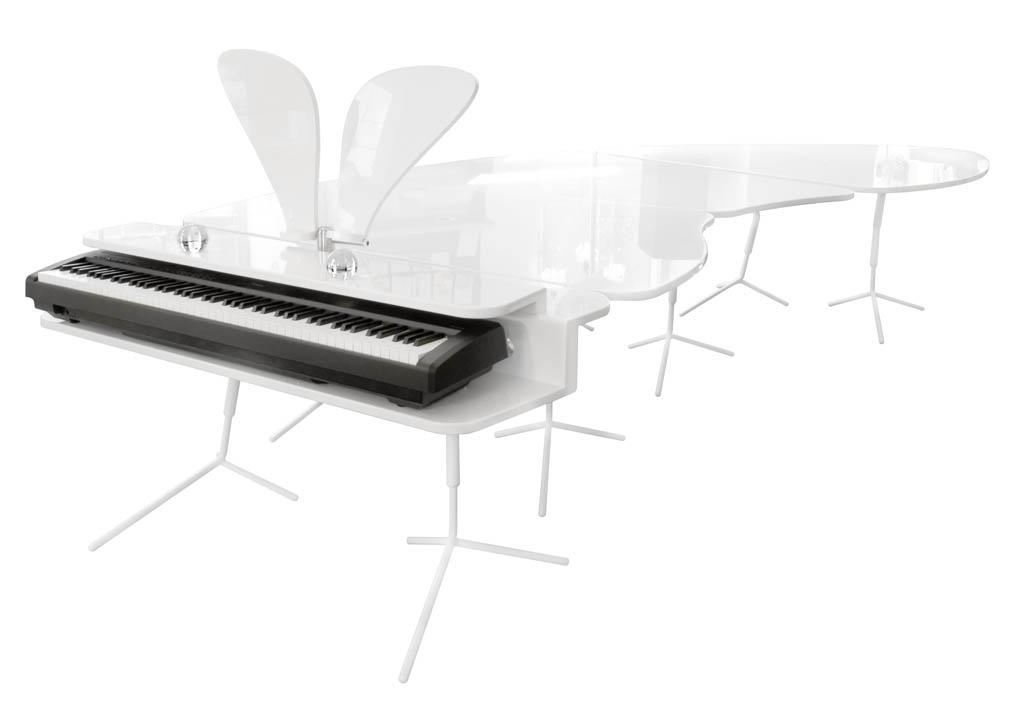 piano_table_austria_davaj_1020.jpg