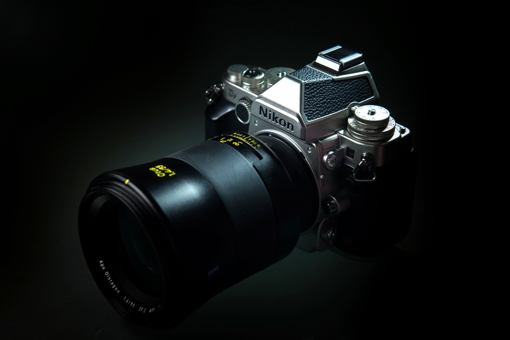 Nikon Df with Zeiss Otus