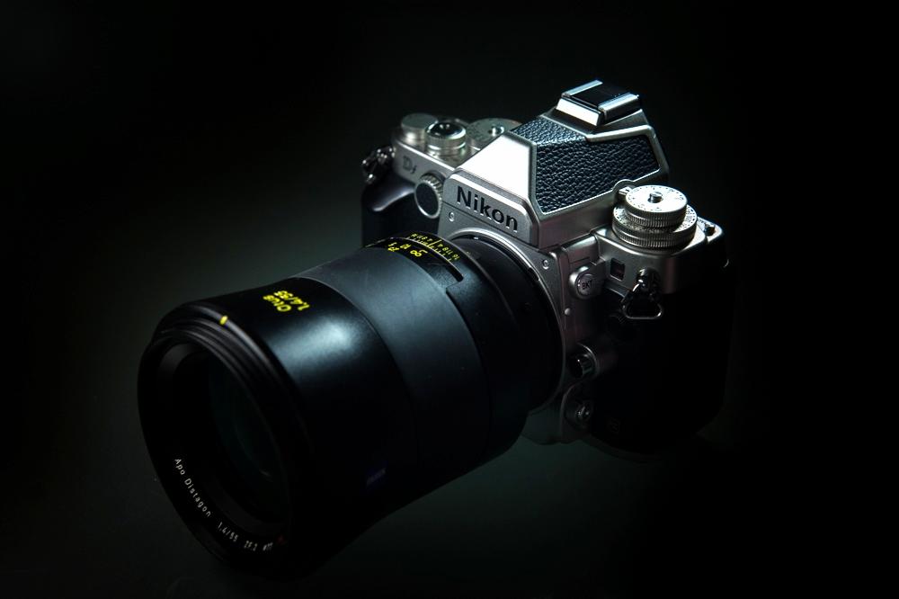 Nikon Df with Zeiss Otus