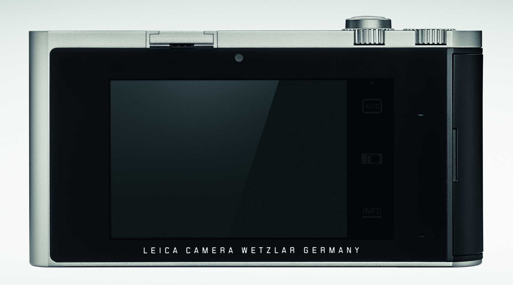 The large 3.7inch LCD display