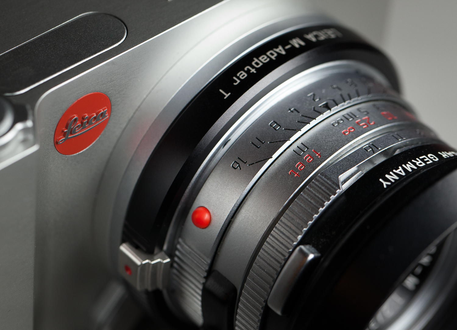 Leica T with the Summicron-M 35/2 pre-asph lens