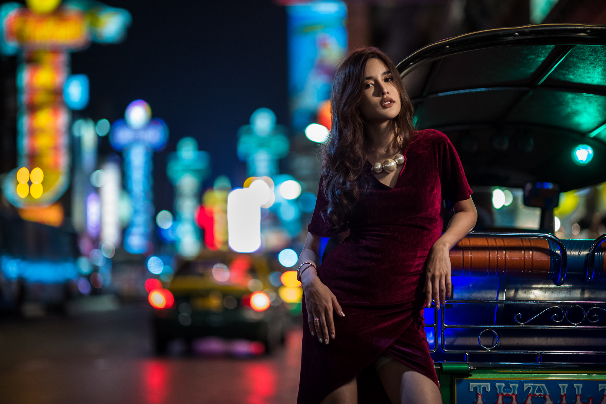 Demonstration picture from Leica Akademie Thailand Noctilux Low Light Workshop in Bangkok, Thailand. Shot at f/2.8 on Leica SL to show more detail in the background.