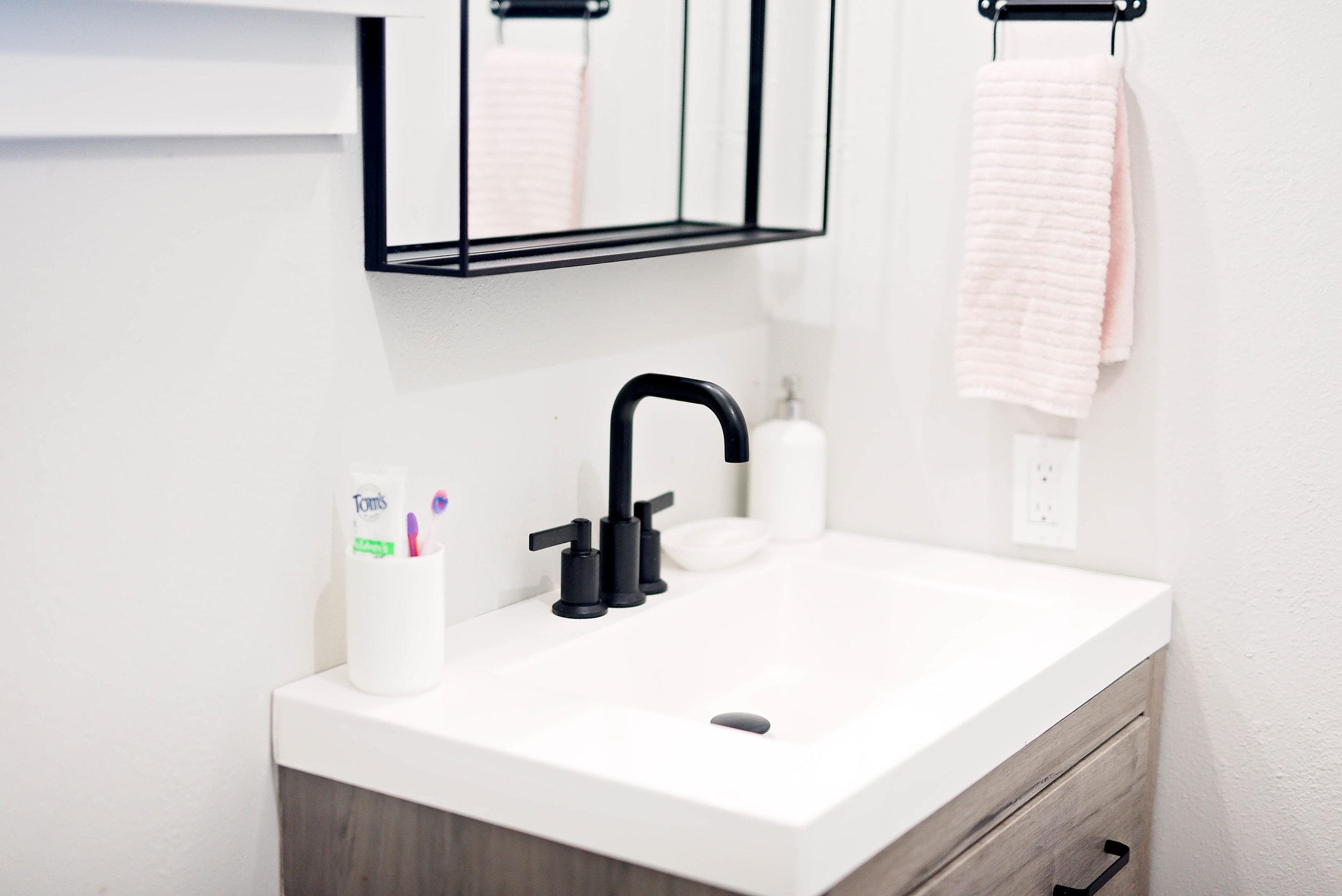 bathroomreno-3.jpg