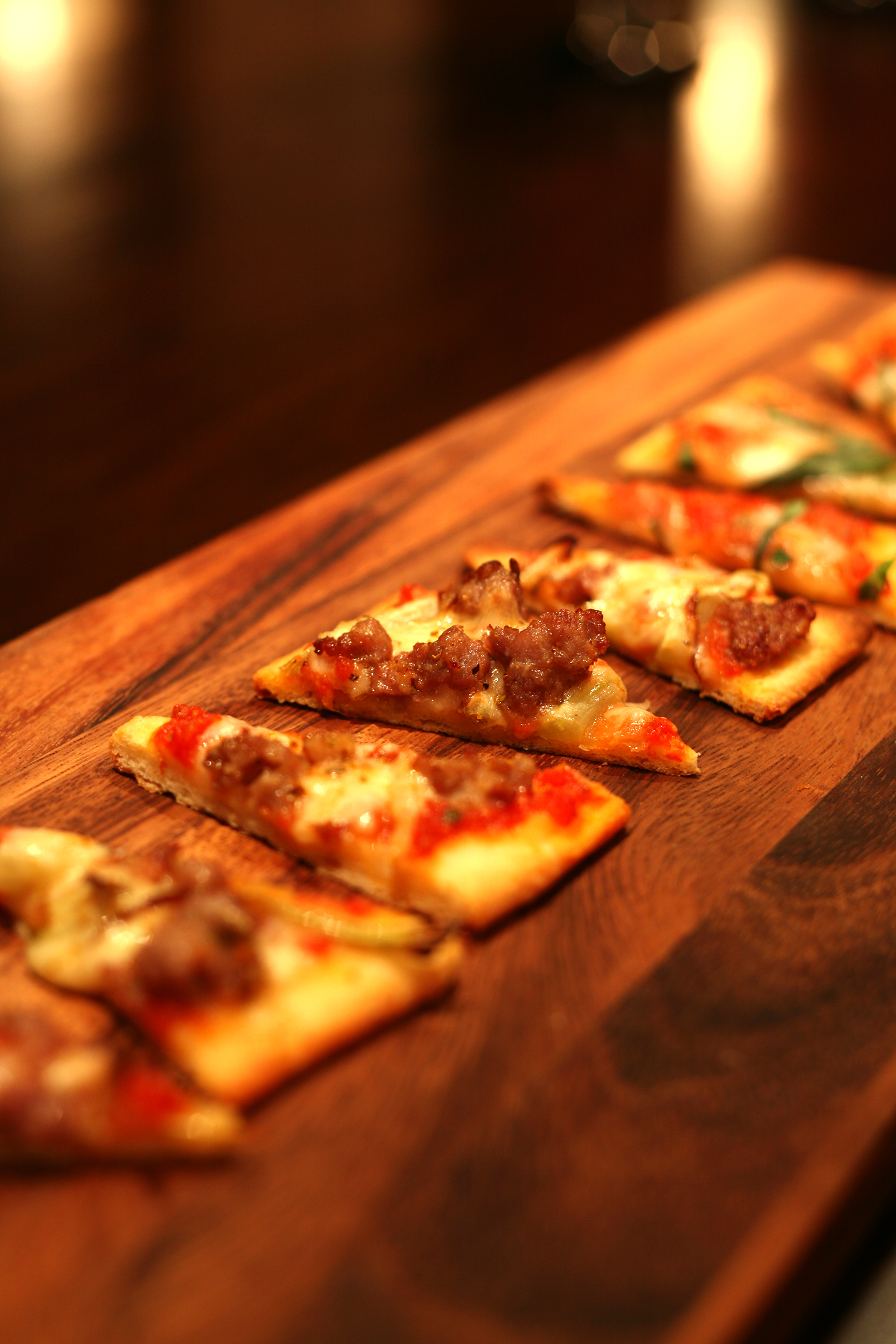 Sausage and fennel pollen pizza