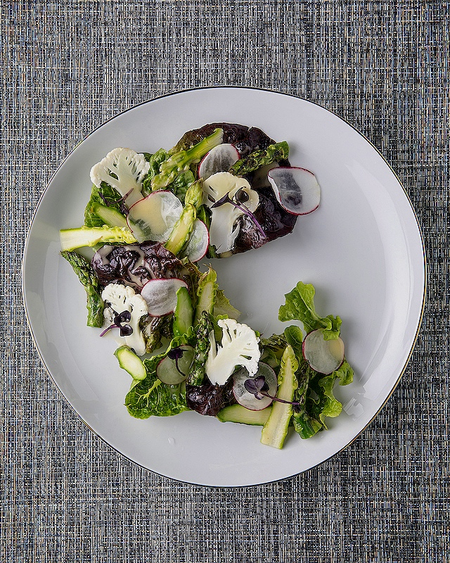 Baby mixed green salad with asparagus, cauliflower and radish